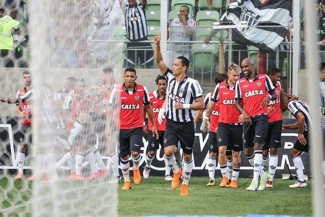 Em noite inspirada, Atlético joga bem e vence o Cruzeiro por 3 a 1 na Arena Independência.