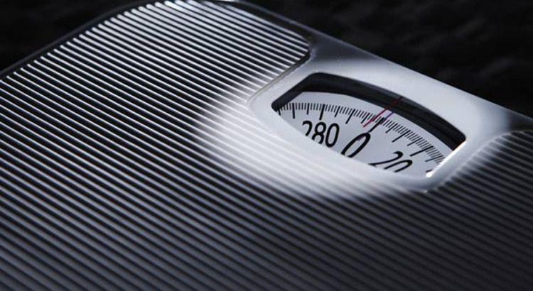 Metade dos brasileiros adultos está acima do peso. Veja como sair desse grupo