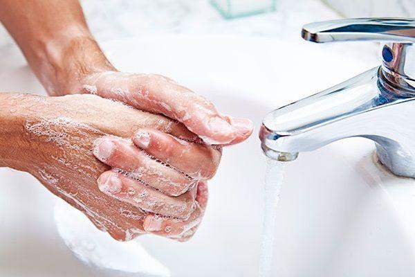 No Dia Mundial da Higienização das Mãos, reduza em 40 por cento o risco de infecções