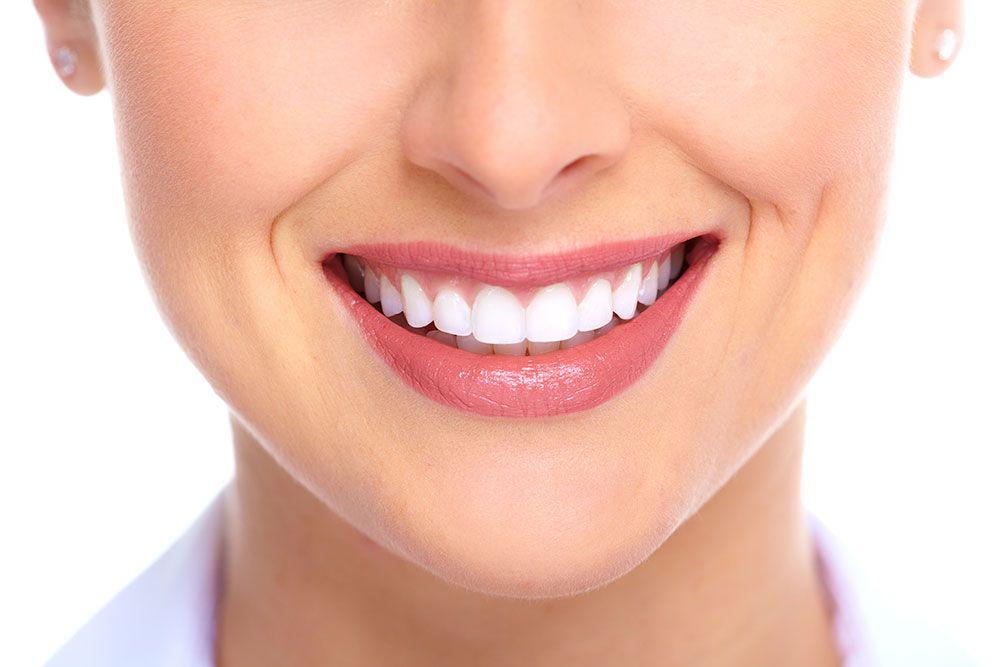Saiba quais alimentos te impedem de ter os dentes brancos